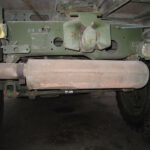 Nach hinten verlegter Auspufftopf an Unimog U1300L; deutliche Geräuschreduzierung
